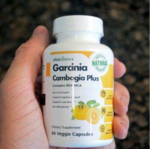 Cependant, un de mes amis m'a convaincu d'utiliser Tone Garcinia HCA.